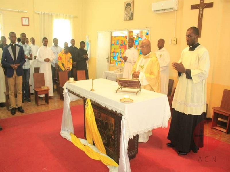 Congo misa interior web