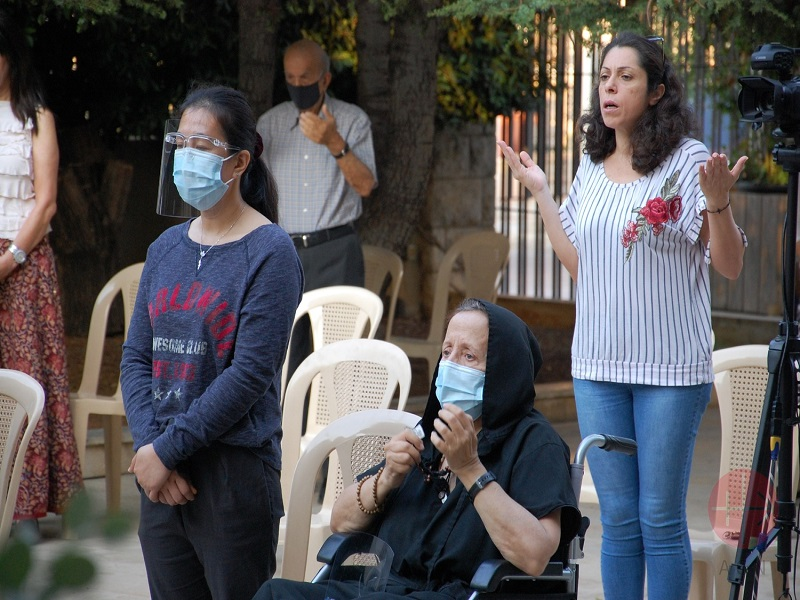 Libano personas rezando monte carmelo web