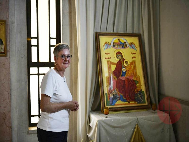Siria Regina con la Virgen de los Dolores